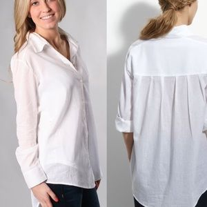 Elizabeth And James White Button Down Top Size M